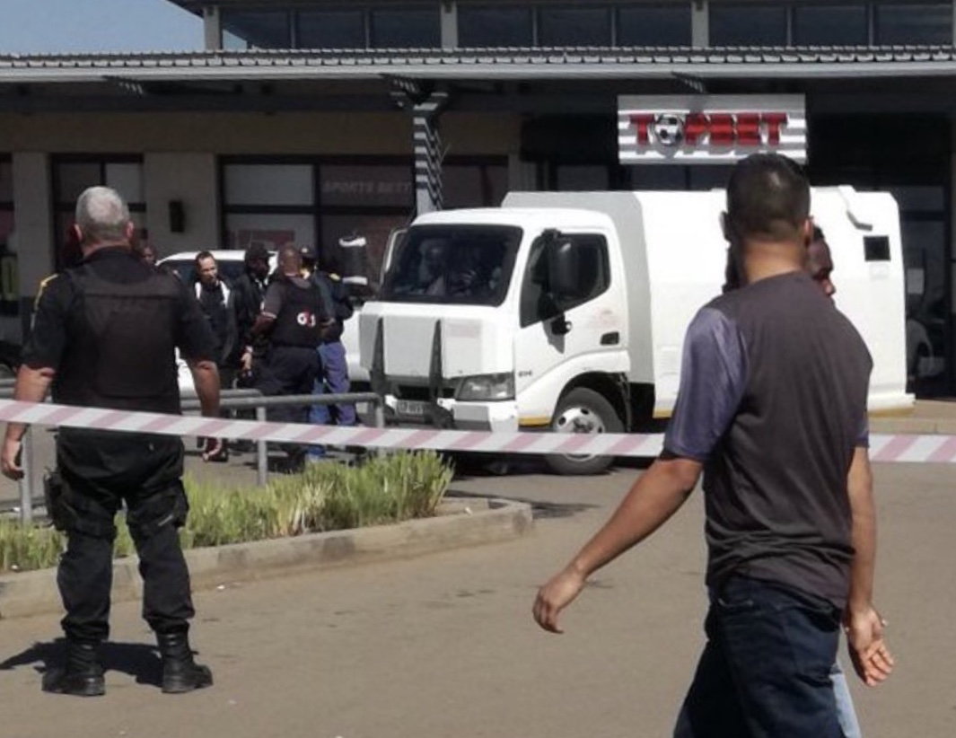 TWO Security Guards Shot & Wounded in Cash-in-Transit Robbery